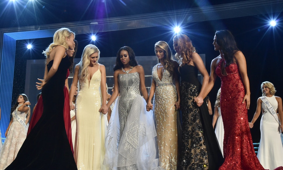 All The Miss America 2017 Gowns Are As Sparkly & Gorgeous As Ever