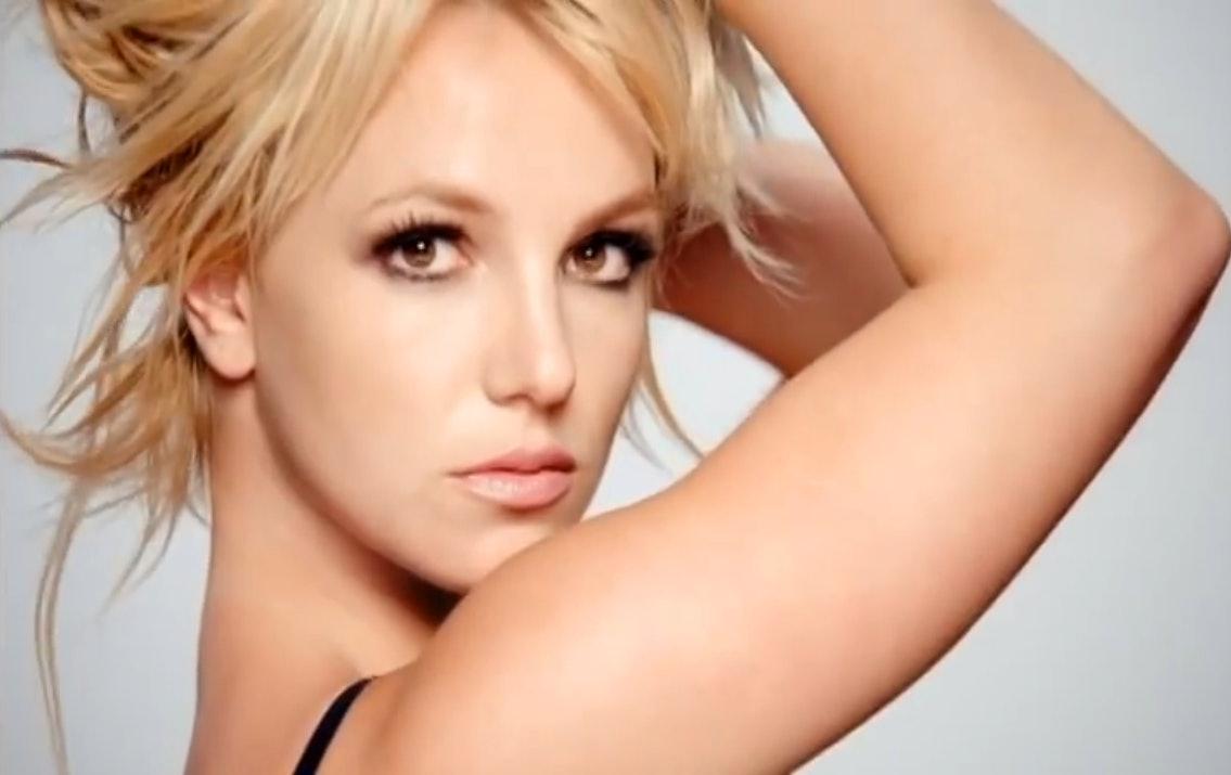 Britney has a hot threesome