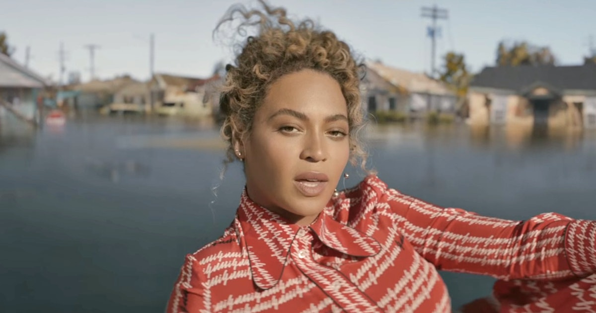 analysis of beyonc s formation video black lives matter Formation, which appears only in the closing credits of the lemonade film, shows beyonce's increasingly diverse musical instincts with the song driven by new orleans-style bounce hip-hop.