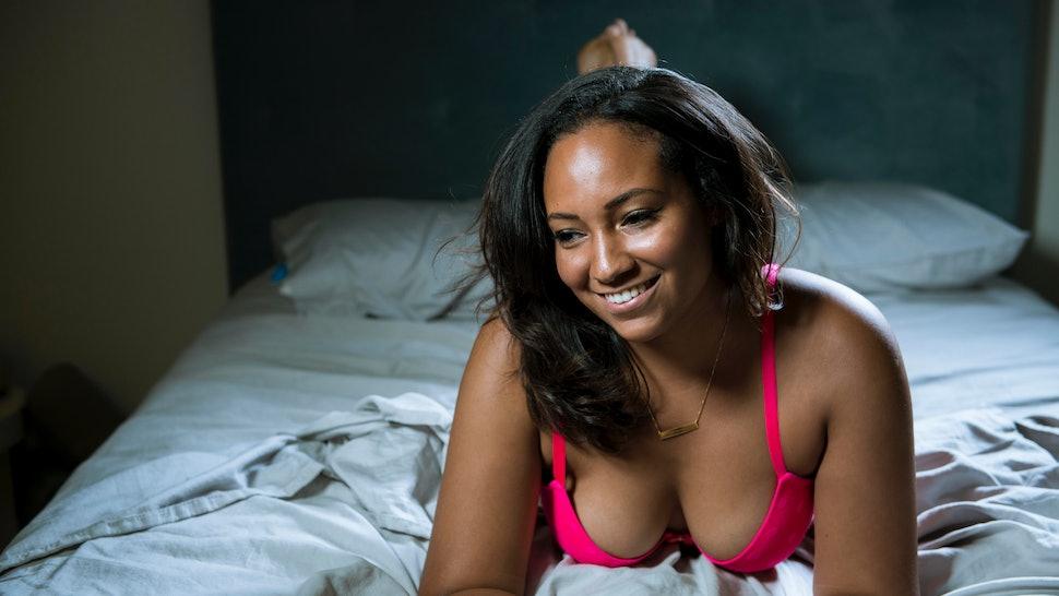 b2e30baefc1 8 Bra Hacks Every Woman With Big Boobs Should Know — PHOTOS