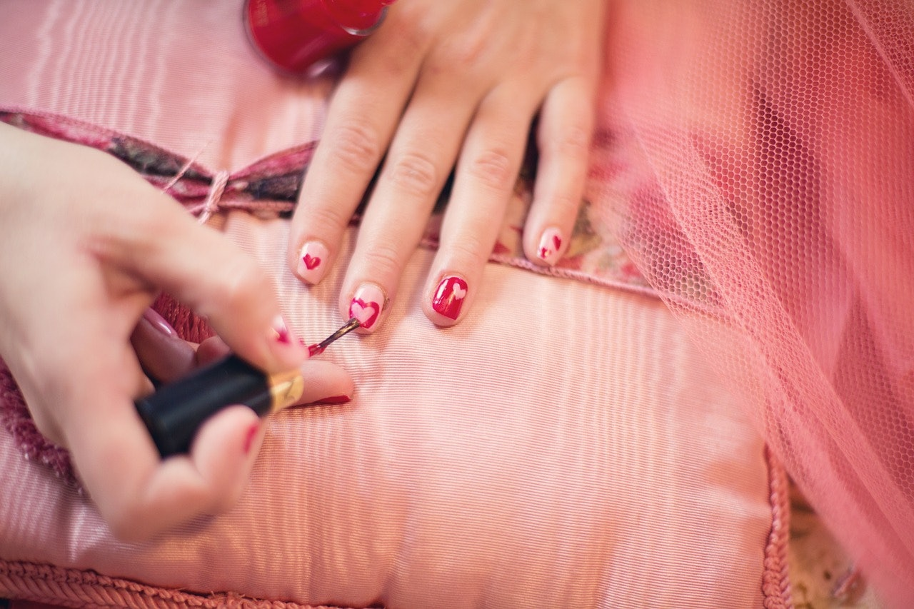 6 Things Your Nails Might Be Telling You About Your Health