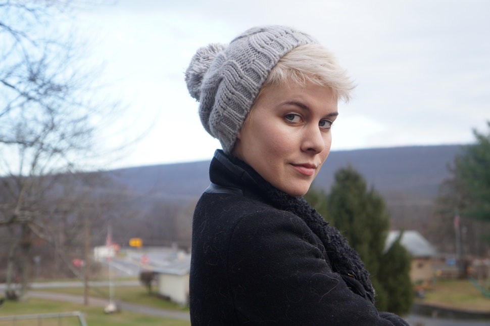 How To Wear A Hat With Short Hair u0026 Look Positively Adorable u2014 PHOTOS