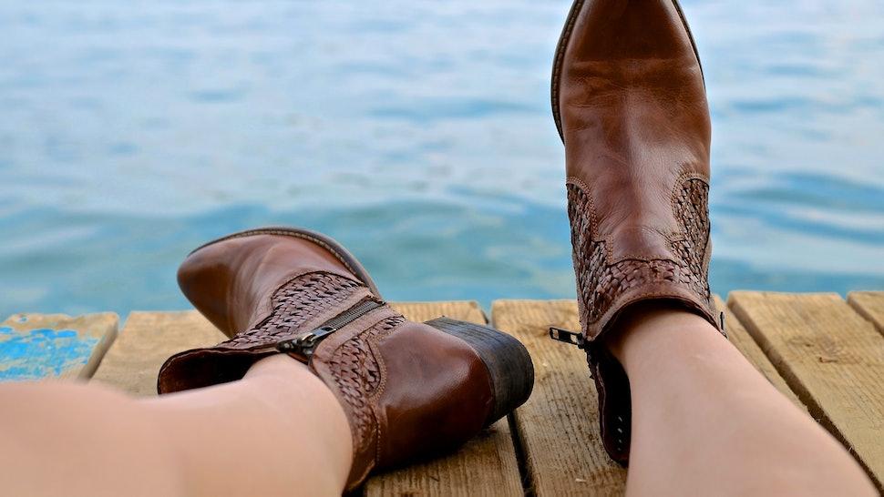 98fa5de47 7 Shoe Shopping Tips For Wide Feet