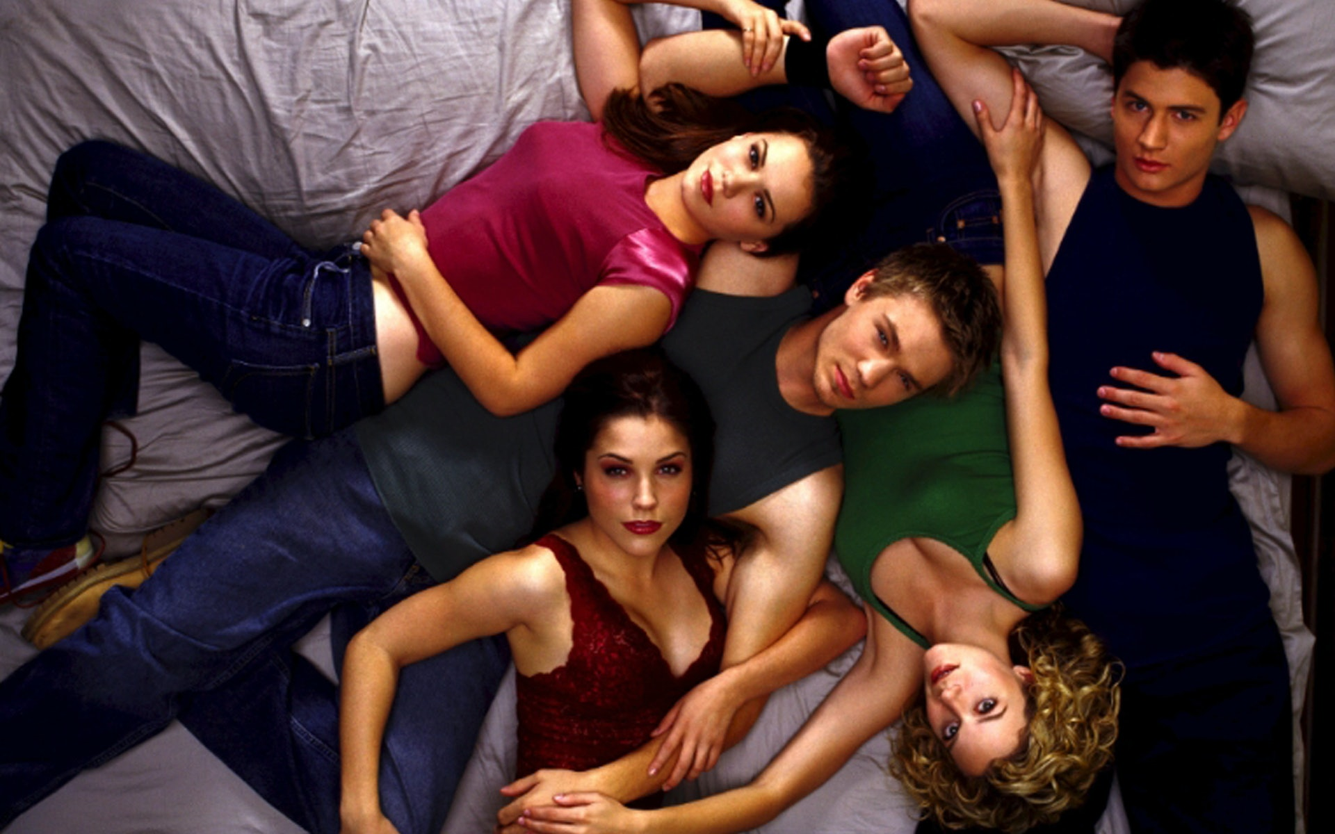 10 Effed Up Life Lessons We Learned From One Tree Hill
