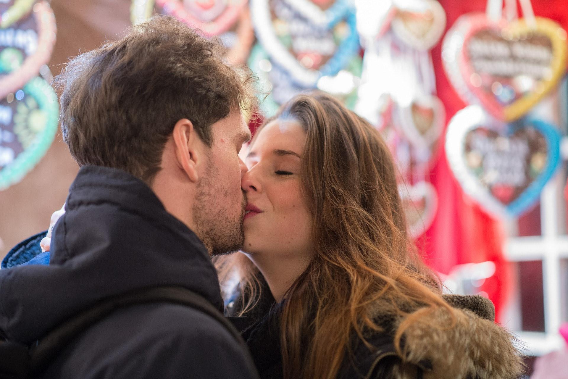 1st date kiss