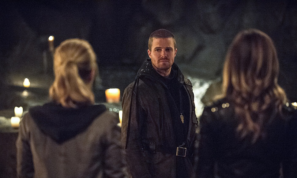 Is Olivers Haircut On Arrow Cause For Concern With Short Hair