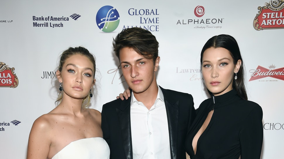 14 Famous Siblings You Never Knew Had Other Brothers & Sisters