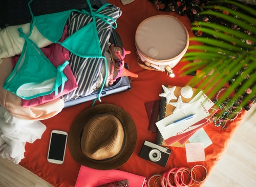 10 Travel Accessories You Need For Spring Break Or For Any Getaway