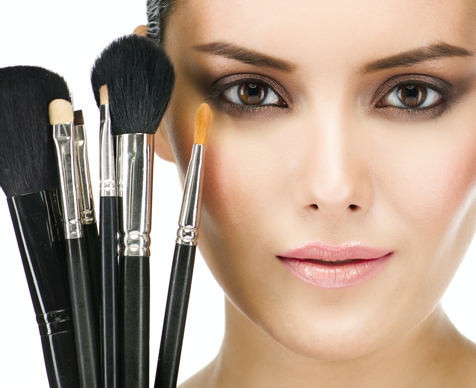 the 8 makeup brushes everyone should have in their beauty arsenal
