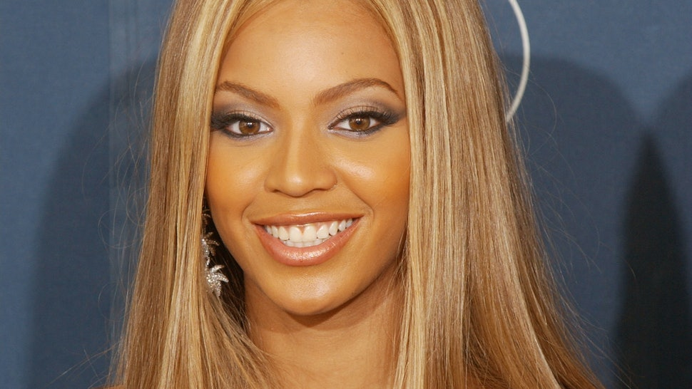 13 Hairstyles Every Popular Girl Had In Early 2000s High School Photos