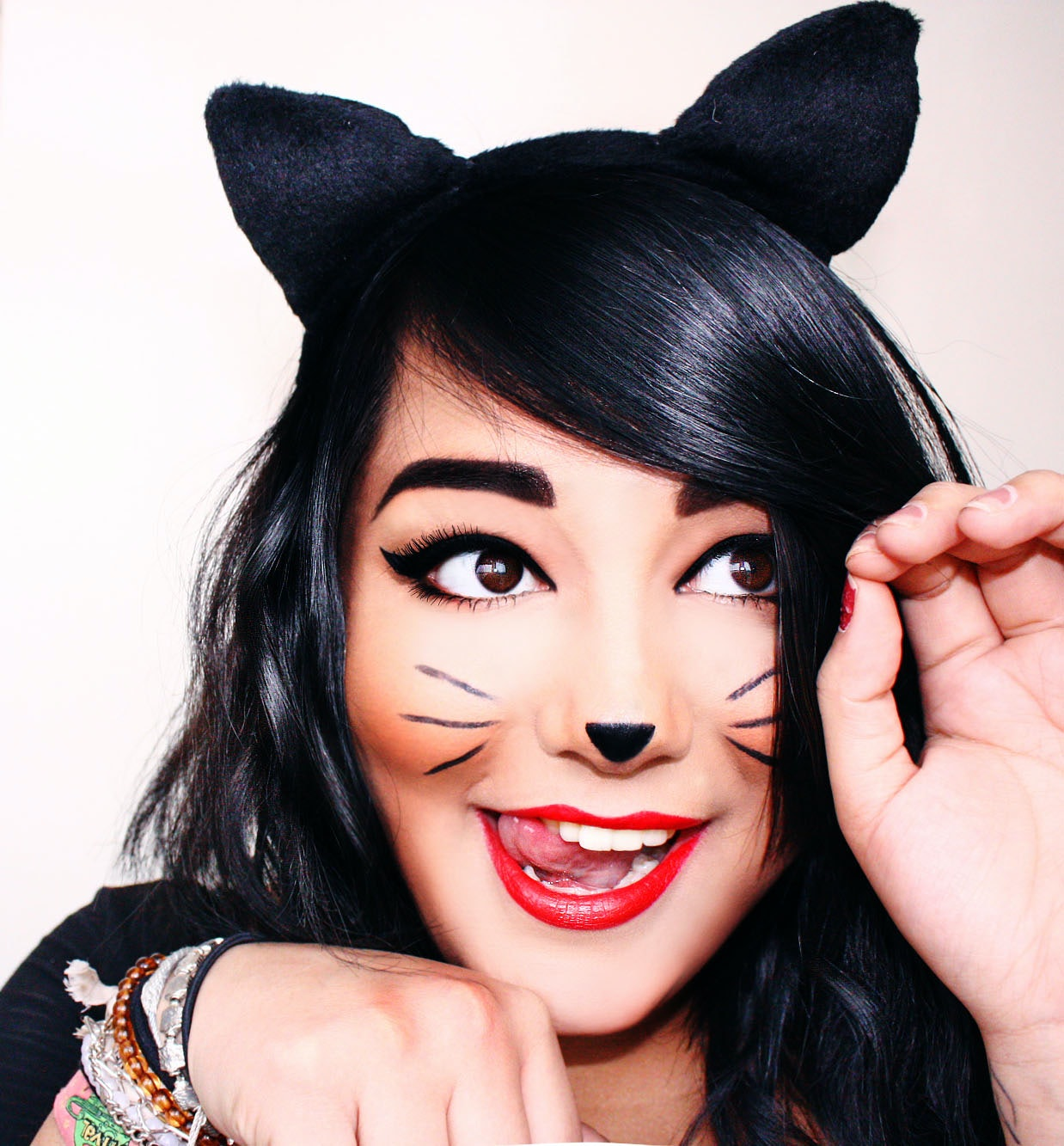 7 Halloween Cat Costume Ideas That Are Anything But Basic - Cat-costume-makeup