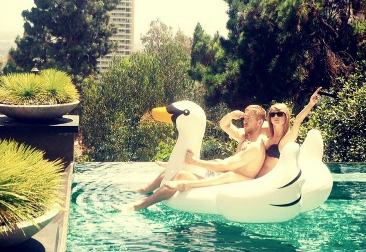 Celebrities Love Inflatable Swan Pool Floats, Like, Itu0027s Kind Of Getting  Out Of Hand U2014 PHOTOS
