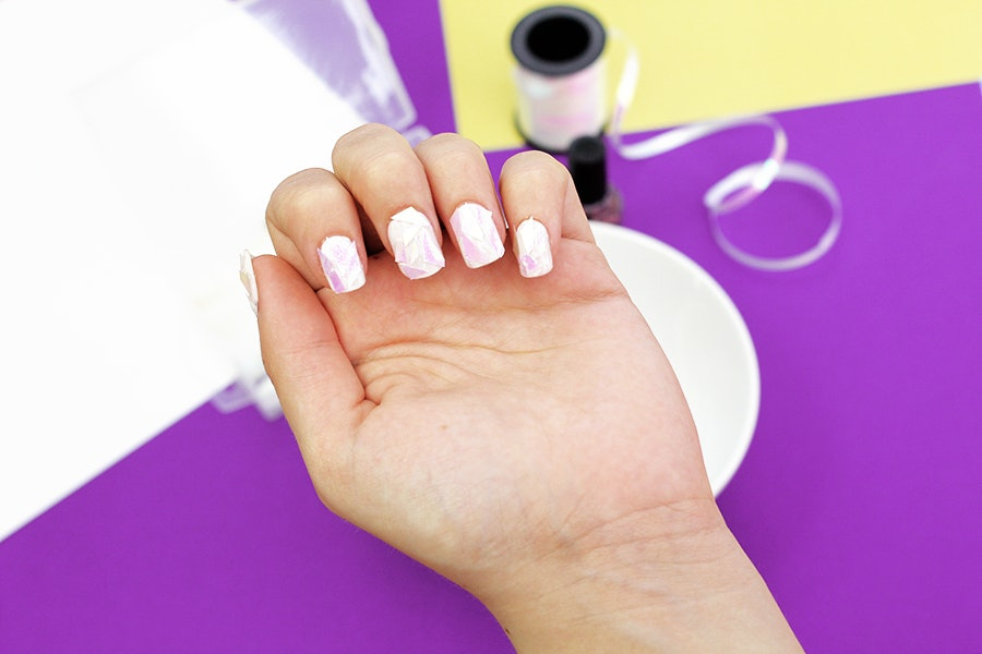 How To DIY A Shattered Glass Manicure For Festival Season TUTORIAL