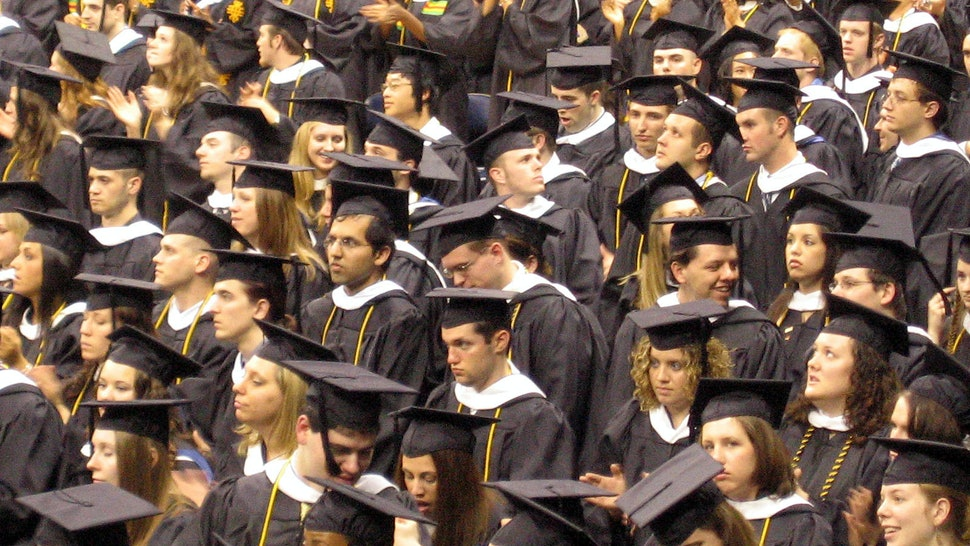 Study Identifies Five Characteristics That Almost Guarantee A Student Will Graduate From University