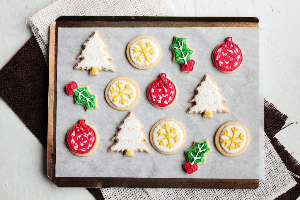 16 Holiday And Christmas Cookies To Make For Friends Bosses And Lovers