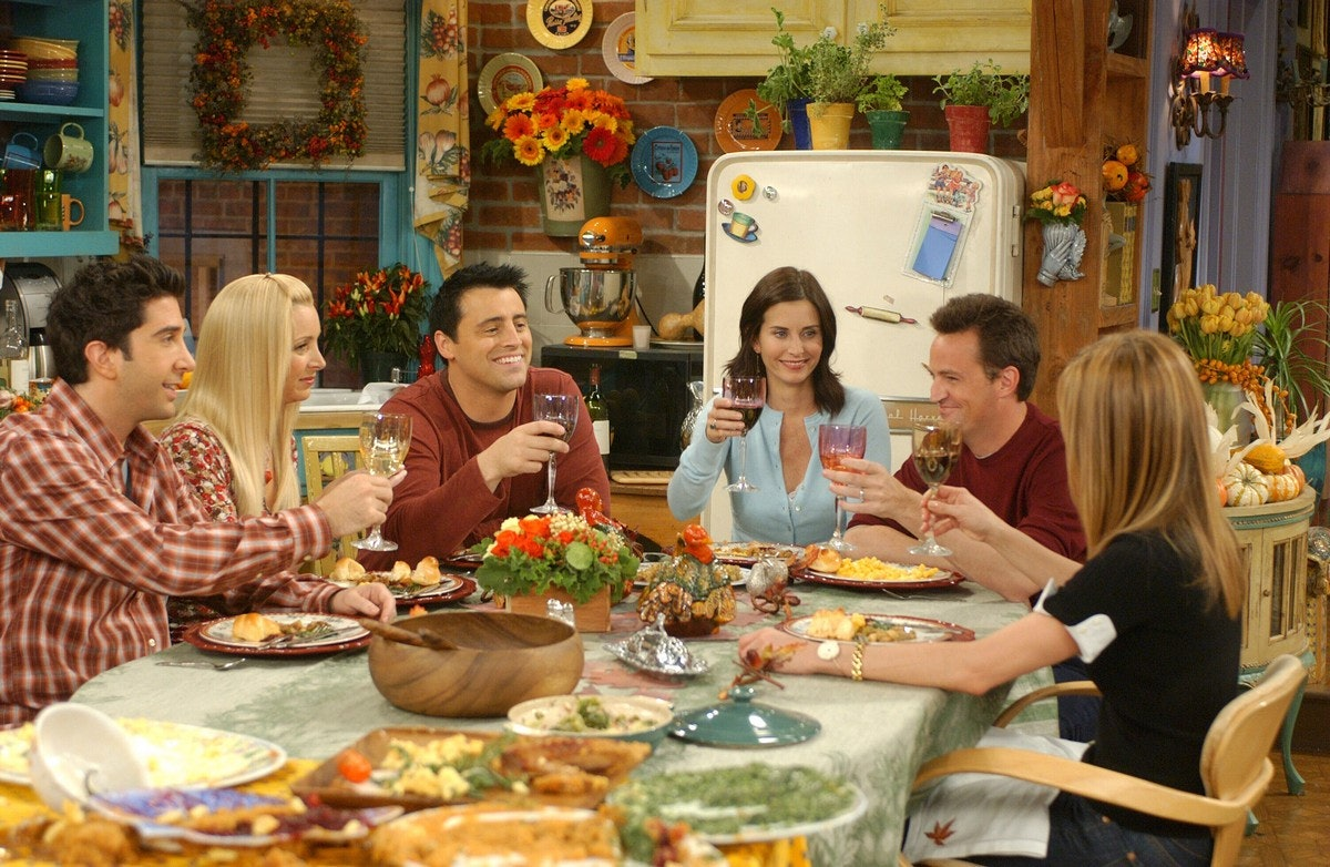 14 Great Friends Thanksgiving Moments That Show No One Did The Holiday Like Central Perk Crew