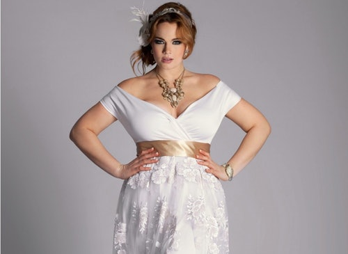 aafdd945b19 25 Stunning Plus-Size Wedding Dresses For Every Style Of Nuptial Affair