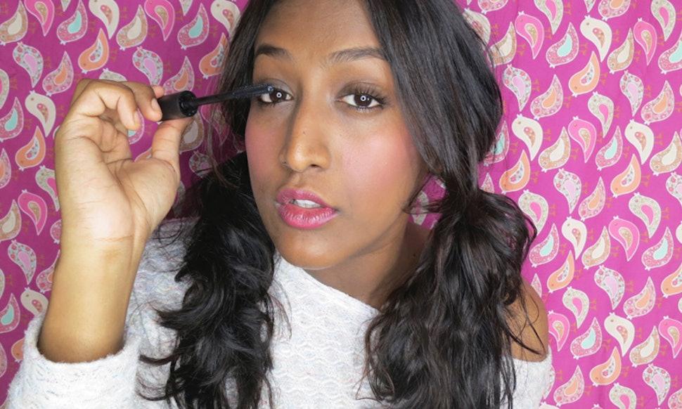 6 Makeup Tips For Sensitive Eyes Because Applying Mascara Shouldnt