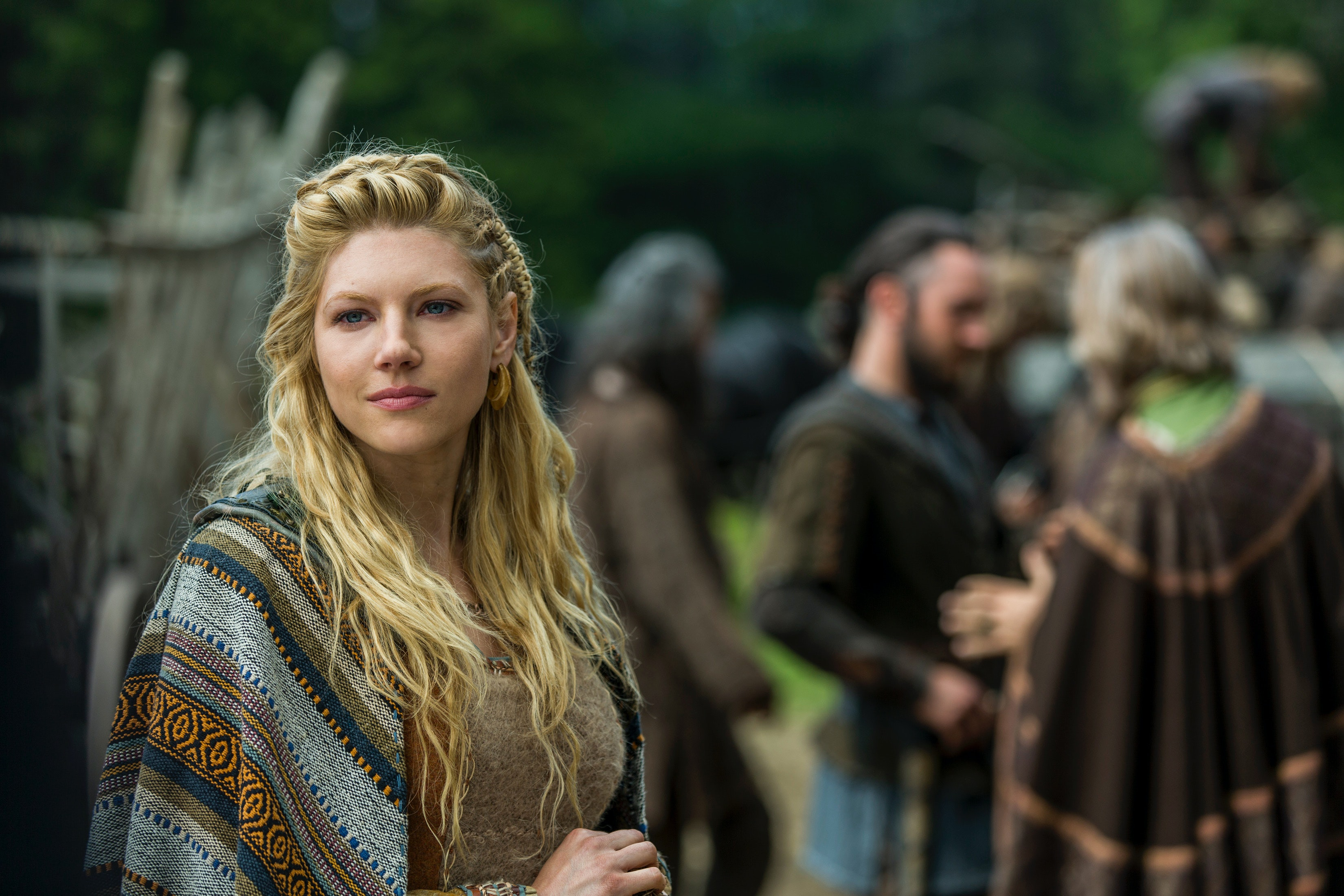 6 ways to wear 'vikings'-inspired hairstyles because intricate