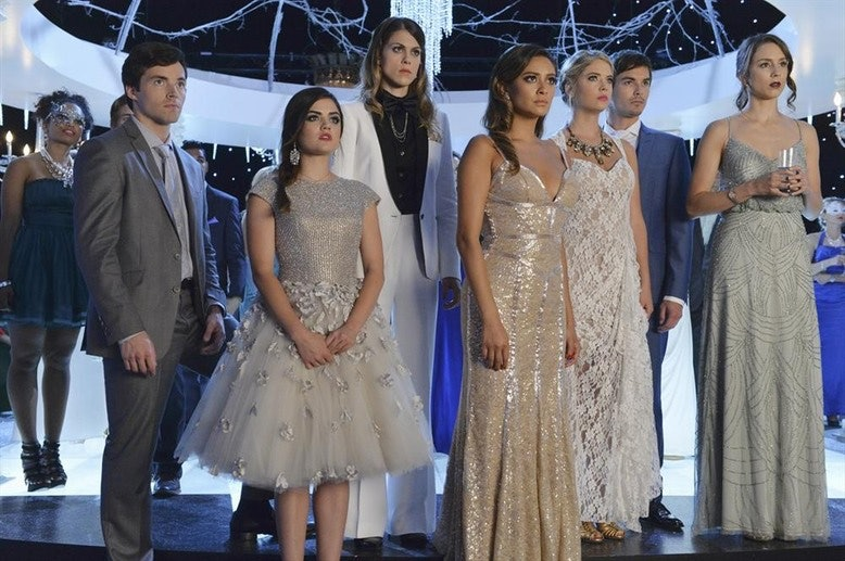 The \u0027Pretty Little Liars\u0027 Christmas Special Has Some Of The