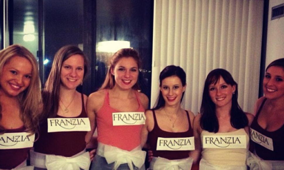12 cheap group halloween costume ideas for you your broke squad