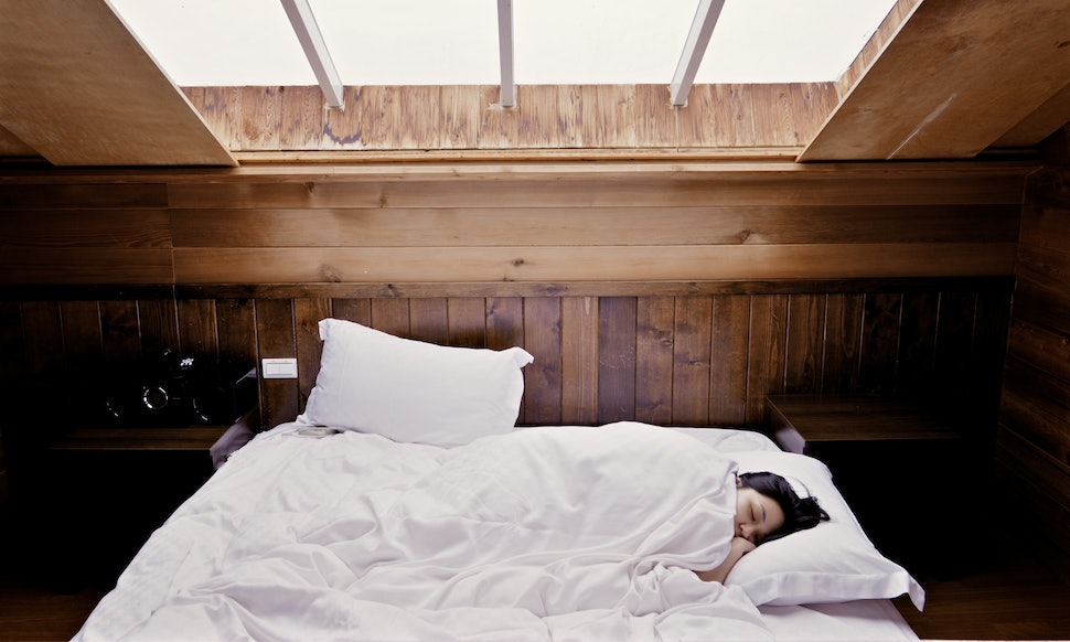 6 unexpected things in your bedroom that affect the way you sleep