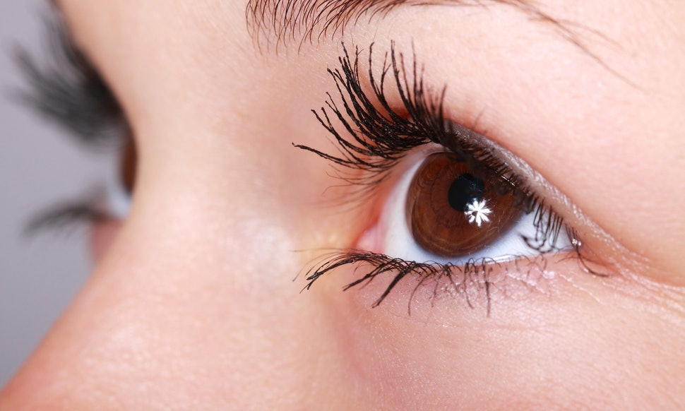 Should You Wear Mascara With Lash Extensions This Tip Will Stop