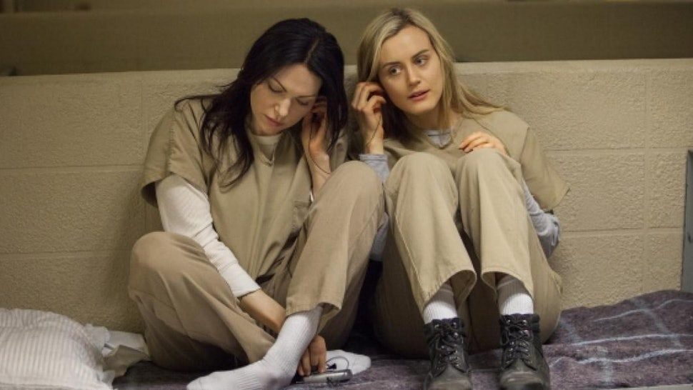 when do alex and piper get together season 1