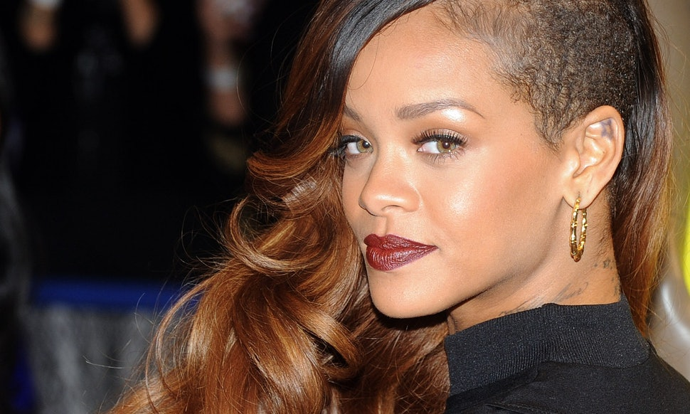 37 Rihanna Hairstyles Broken Down By Colour That Prove She Can Still ...