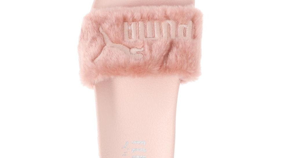 c550297733a 9 Rihanna Fur Slide Alternatives That Look As Good As The Puma Originals —  PHOTOS