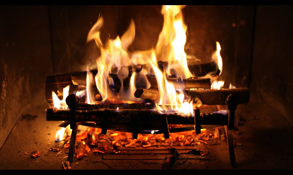 What Channel Is the Yule Log On? Where To Find the Digital Fireplace ...