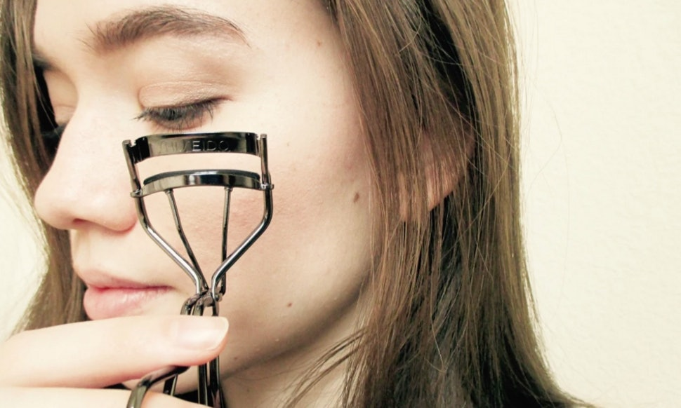 Why Ill Never Use A Spring Loaded Eyelash Curler Again