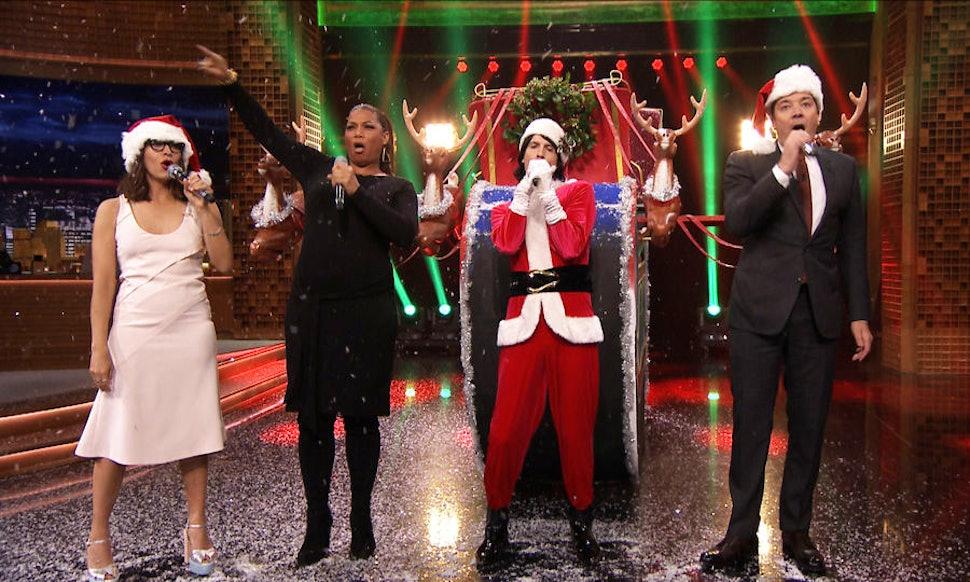 Jimmy Fallon, Rashida Jones, & Queen Latifah\'s Holiday Parody Songs ...