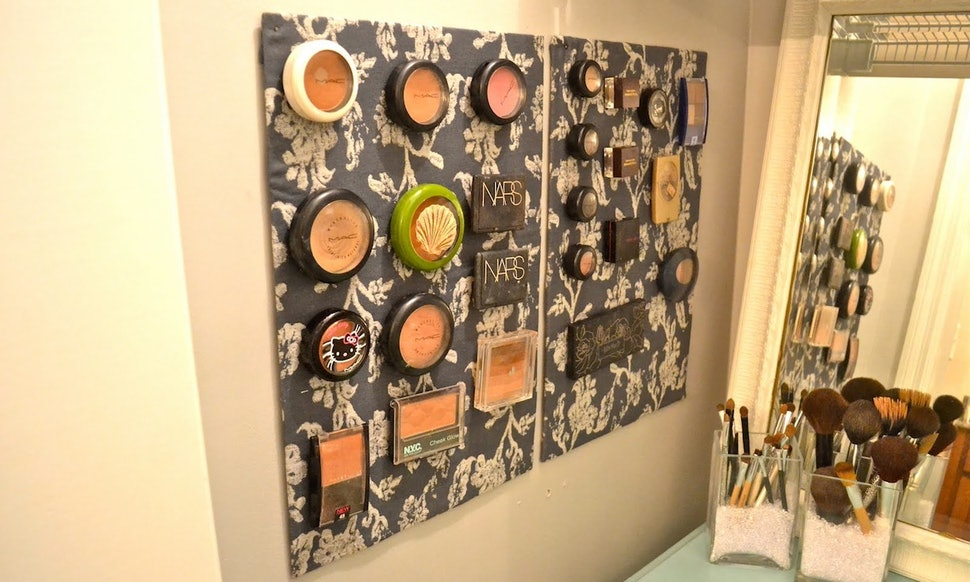 14 diy makeup organizer ideas that are so much prettier than those 14 diy makeup organizer ideas that are so much prettier than those stacks of plastic boxes solutioingenieria Image collections