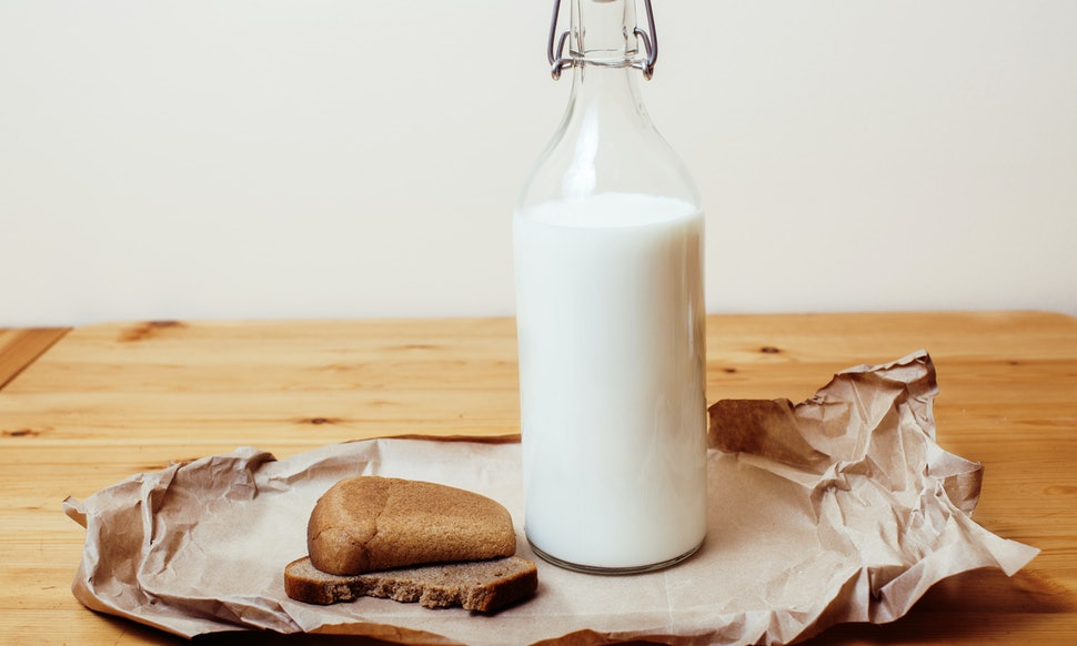 7 signs you should stop drinking milk immediately