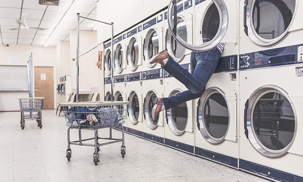 11 ridiculous things only people who do laundry in big cities have done solutioingenieria Image collections