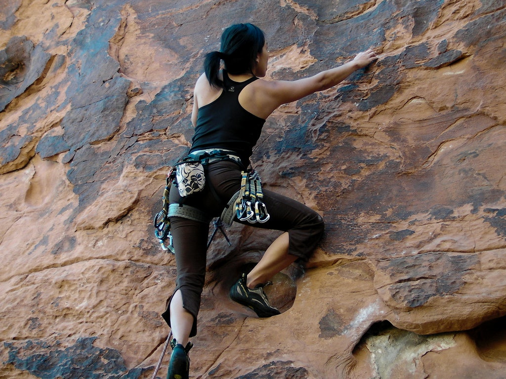 Fashion style Climbing rock clothes what to wear for lady