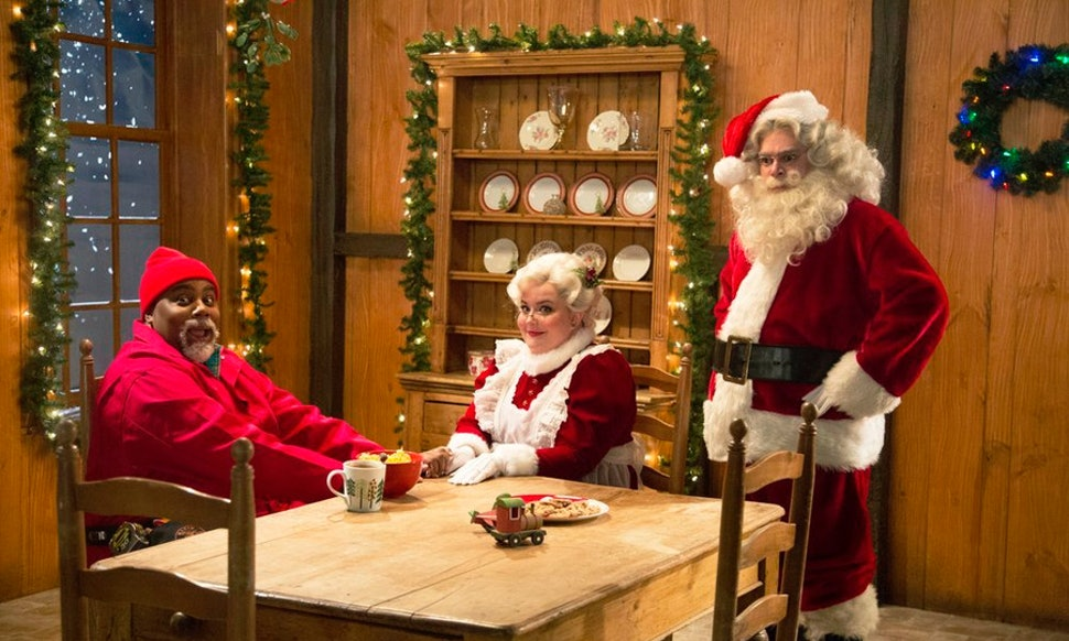 how to watch snl christmas sketches online netflix isnt your only holiday helper this year