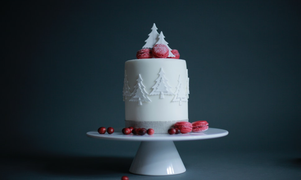 16 winter wedding cakes that are stunningly beautiful and perfect 16 winter wedding cakes that are stunningly beautiful and perfect for a winter wonderland reception junglespirit Images