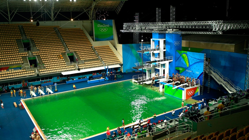 What Happened To The Olympic Diving Pool? The Green Color Change ...