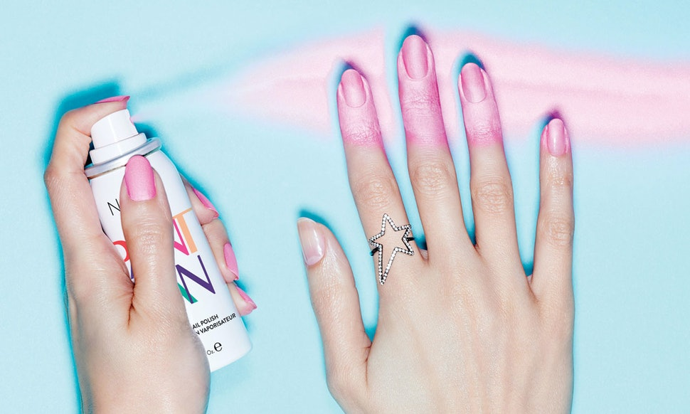 How Does Spray On Nail Polish Work? It\'s Not As Messy As You Might Think
