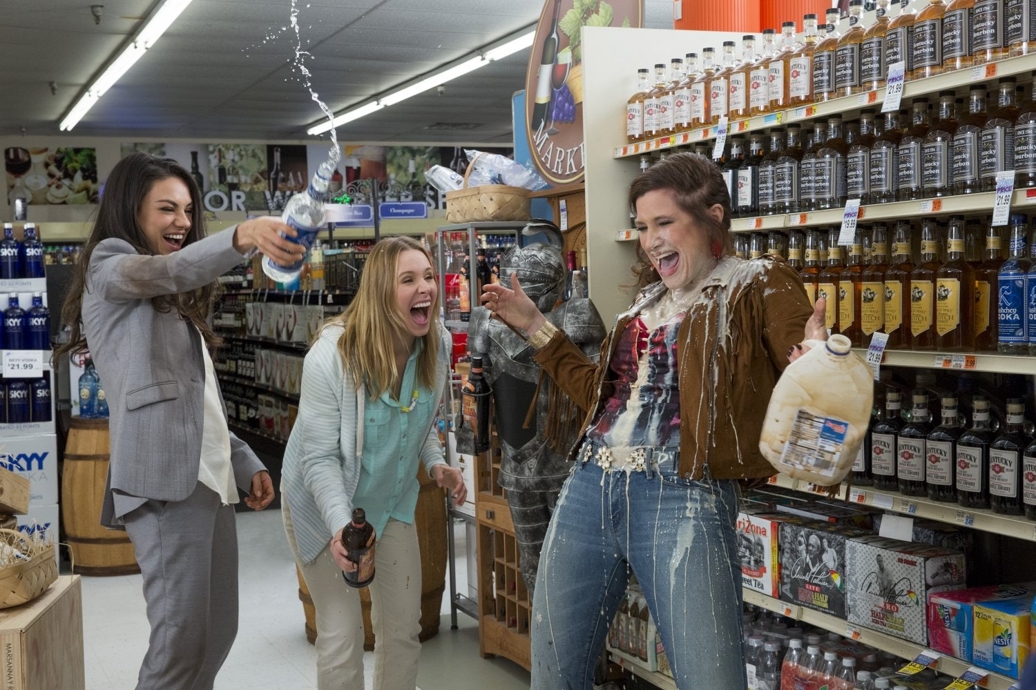 the martha stewart cameo in 'bad moms' will make you squeal with delight