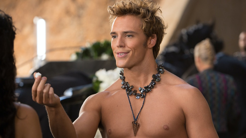 Finnick's Death In 'Mockingjay Part 2' Vs  The Book Leads To