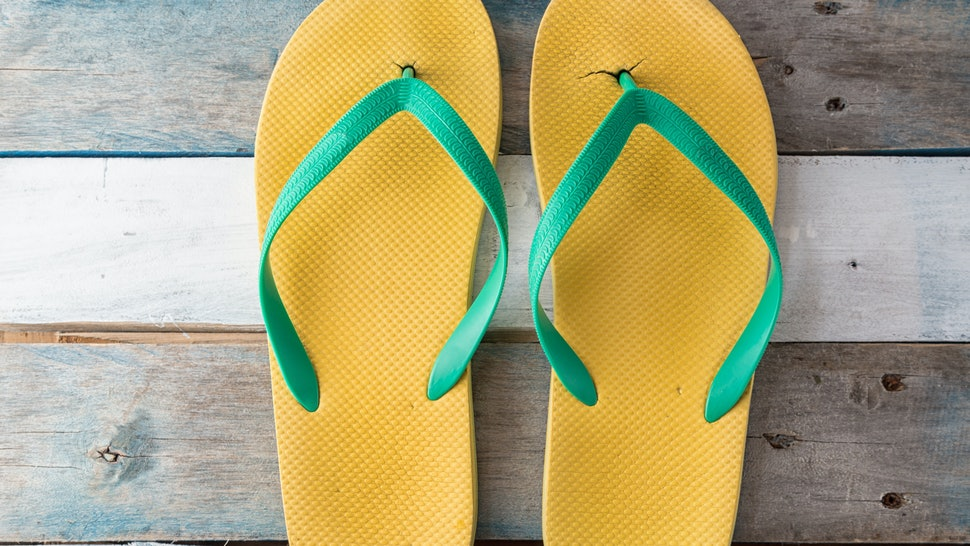 6d6f4f5f8848 Effects Of Wearing Flip Flops That Scientifically Prove You Should  Definitely Stop Wearing Them