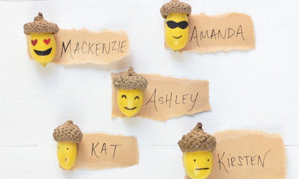 diy acorn emoji thanksgiving place cards make setting the table actually fun - Thanksgiving Place Cards