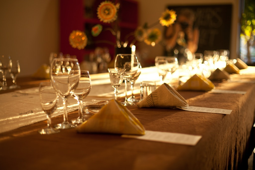 Genial 7 Etiquette Tips For Hosting Your First Adult Dinner Party ...
