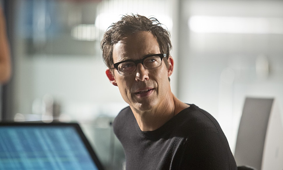 How Is Harrison Wells Reverse Flash The Has A Lot Of Time Travel Explaining To Do