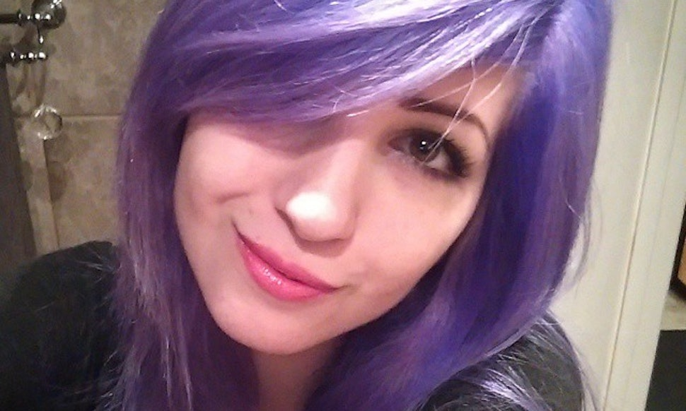This Girls Color Changing Hair Goes From Blue To Purple To Pink
