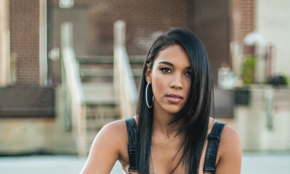 Were Aaliyah R Kelly Really Married Lifetimes Biopic Features