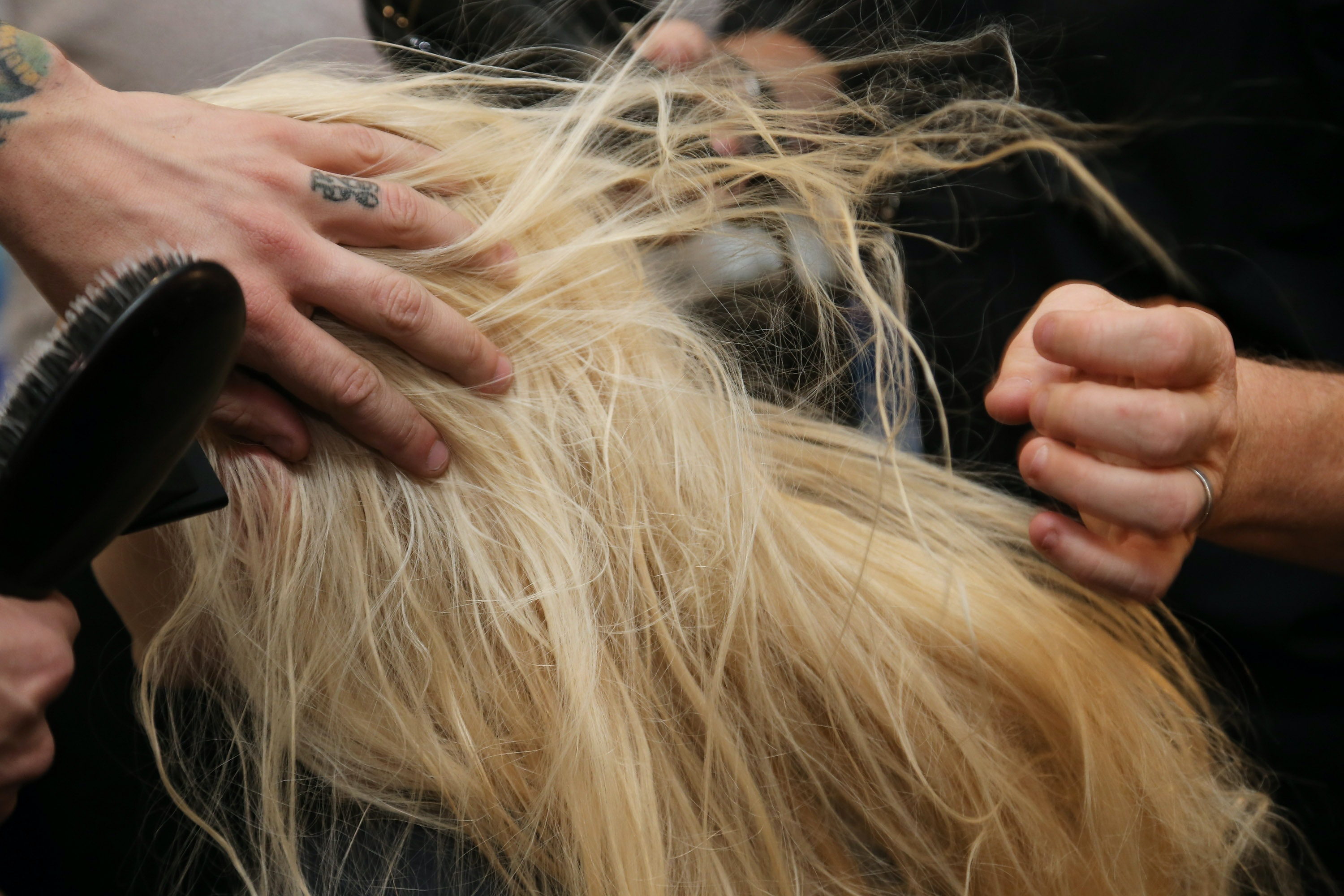 How Much Should You Tip Your Hairdresser, Plus 11 Other Answers To Salon  Etiquette Questions Youu0027ve Been Too Embarrassed To Ask